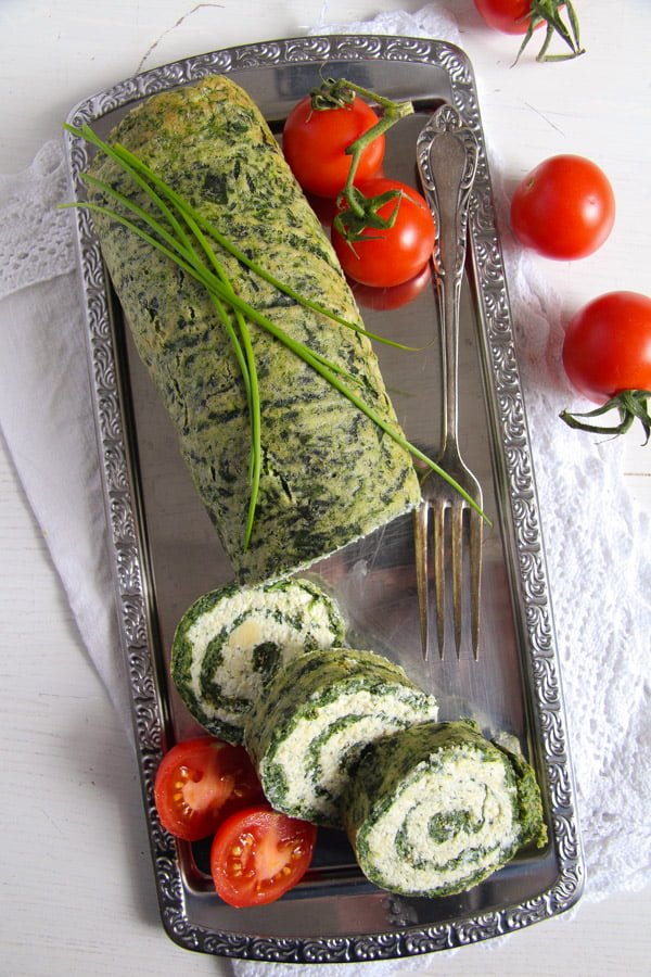 spinach roll 2 Spinach Roll with Cottage Cheese, Gouda and Herbs
