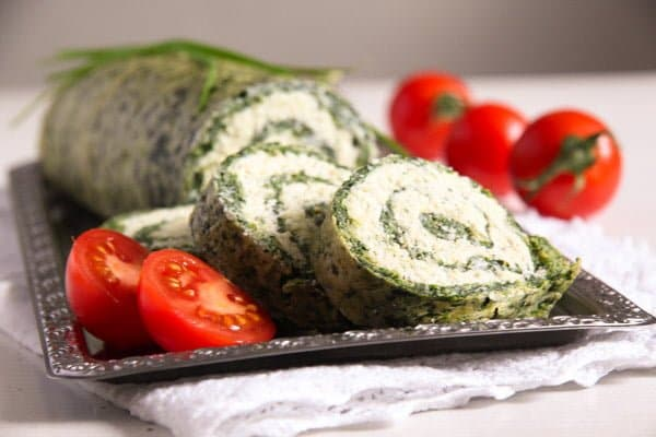 Spinach Roll with Cottage Cheese, Gouda and Herbs