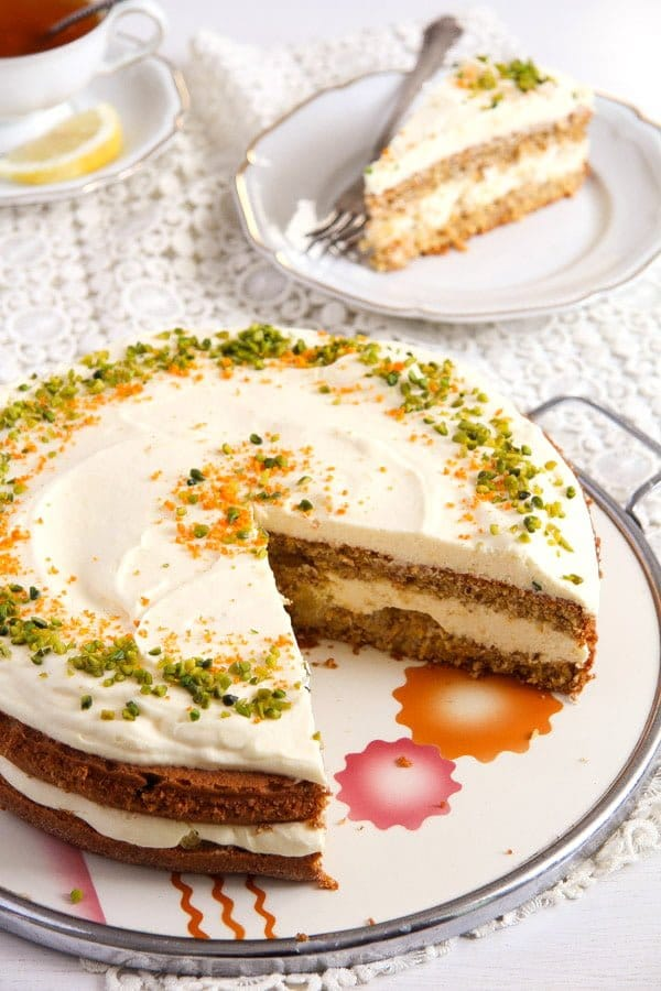 carrot orange cake 3 Carrot Cake with Almonds and Orange Juice Filling