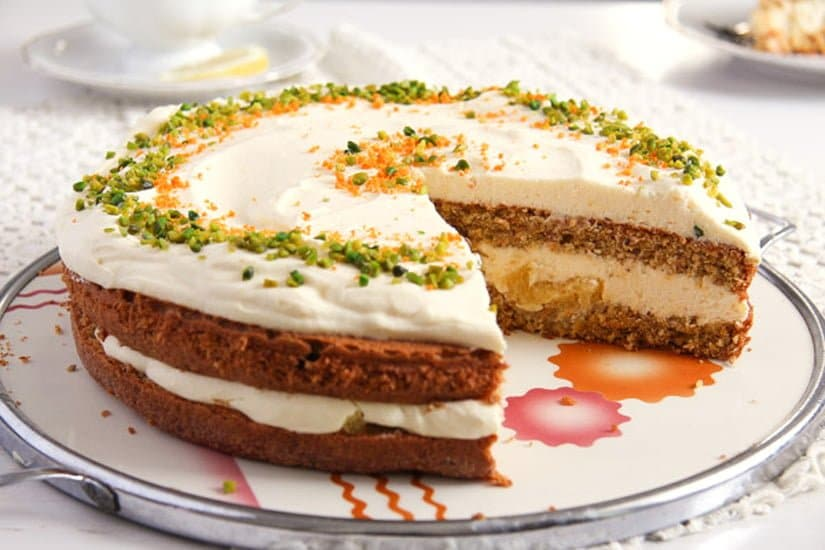 carrot orange cake 4 Carrot Cake with Almonds and Orange Juice Filling