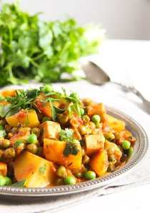 %name Vegan Potato Curry Recipe with Tofu, Tomatoes and Peas