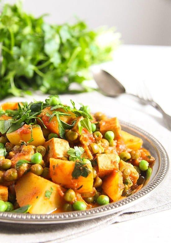 potato pea curry 5 Vegan Potato Curry Recipe with Tofu, Tomatoes and Peas
