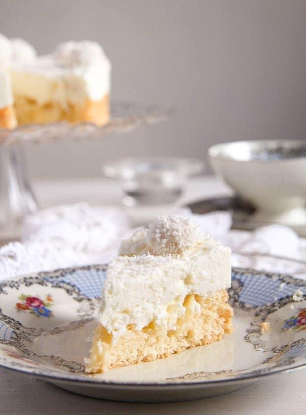 raffello coconut cake 4 Easy Pineapple Coconut Cream Cake with Raffaello