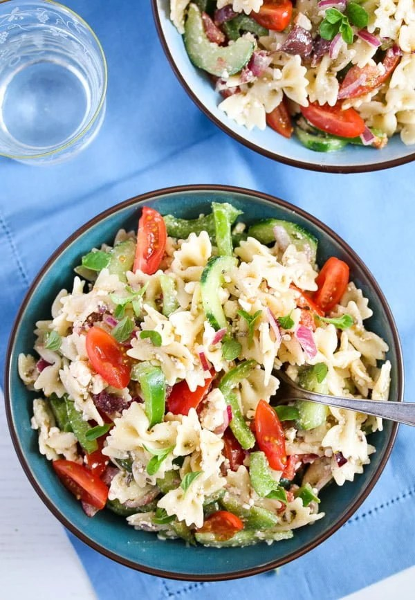 greek pasta salad 11 Greek Pasta Salad – with Green Bell Pepper and Feta