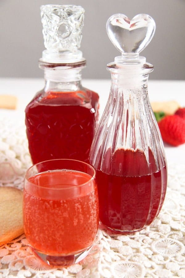 strawberry syrup 1 How to Make a Simple Strawberry Syrup   with Ginger
