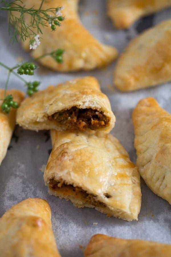 empanadas 10 Empanadas with a Spicy Beef Filling – Argentinian Food