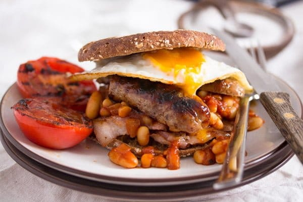english breakfast 2 Full English Breakfast – English Food – with Baked Beans Recipe