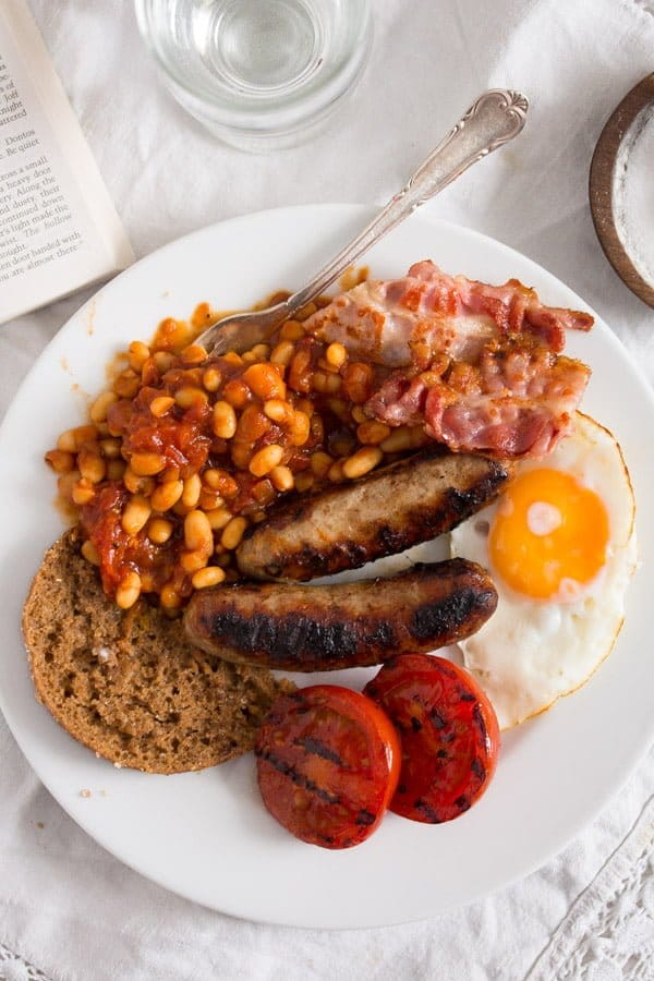 english breakfast 6 Full English Breakfast – English Food – with Baked Beans Recipe