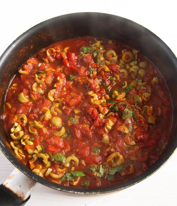 tortellini casserole 2 2 Easy Baked Tortellini with Tomatoes, Mozzarella and Basil