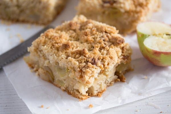 Apple Crumble Cake with Sour Cream – German Apple Streusel Cake