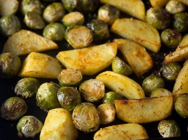roasted brussels sprouts and potatoes 5 Roasted Brussels Sprouts and Potatoes with Rosemary