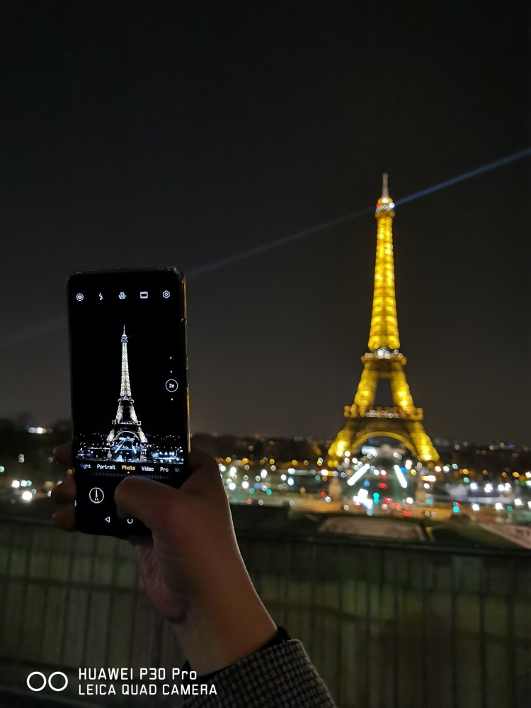huawei P30 photo of Eiffel tower