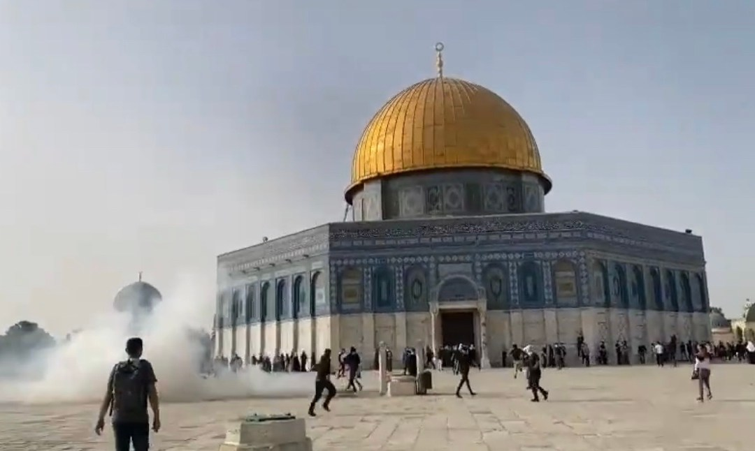 Israel launches deadly airstrikes on Gaza following Hamas rocket fire on Jerusalem after violence at the city's Al-Aqsa Mosque