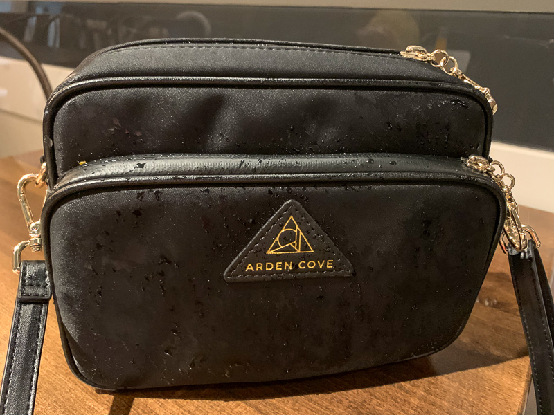 Arden Cove bag review.  It's completely waterproof!