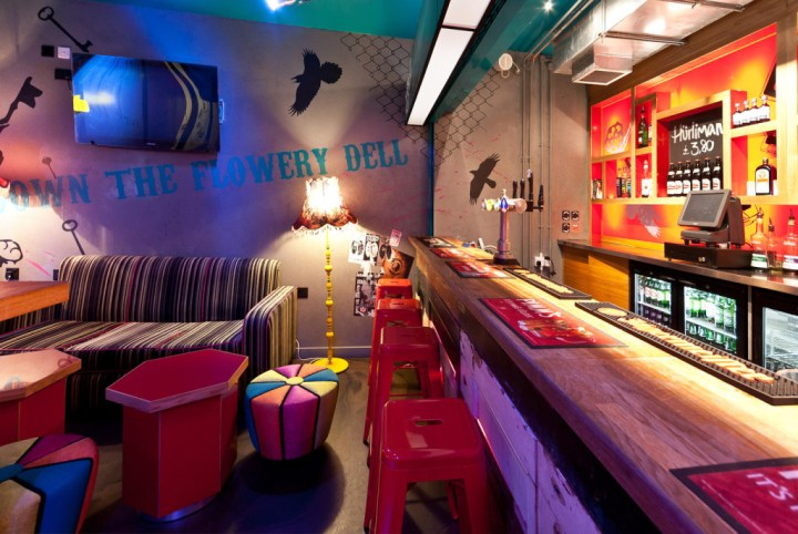Clink-Hostel-London-Clash-Bar-1024x686