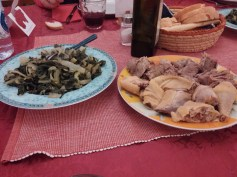 The bollito misto (boiled hen and beef)