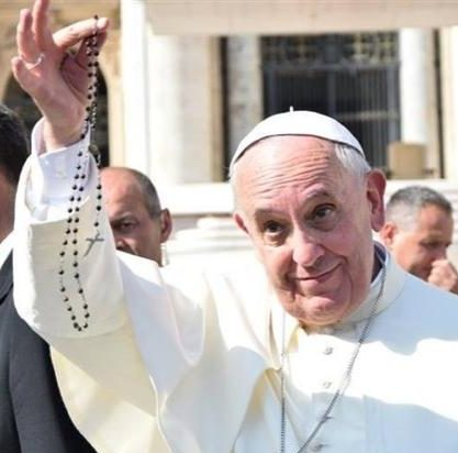 Francis' rosary call – let's pray for our Church!