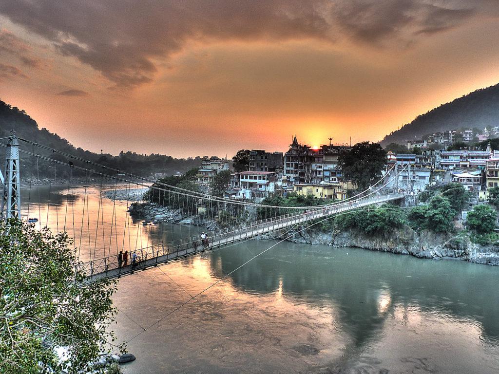 wheresachi-safedestinationsinindiaforsolowomentravelers-ExploreRishikeshinIndia