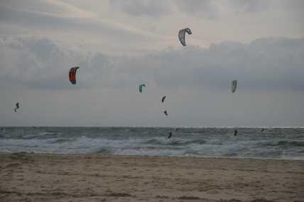 kites-at-playa-de-los-lances-tarifa-2-blog