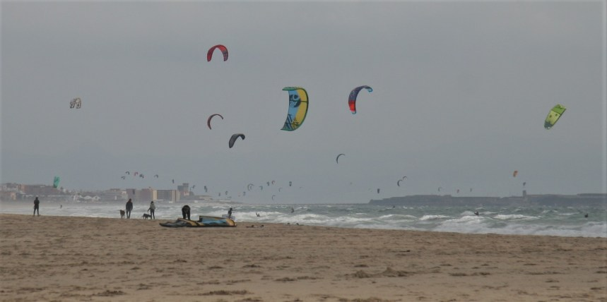 kites-at-playa-de-los-lances-tarifa-3-blog