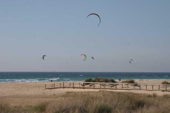 kites-at-playa-de-los-lances-tarifa-4-blog