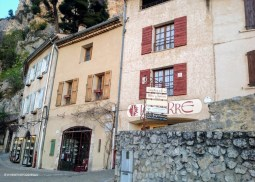 Moustiers - where the foodies go 3