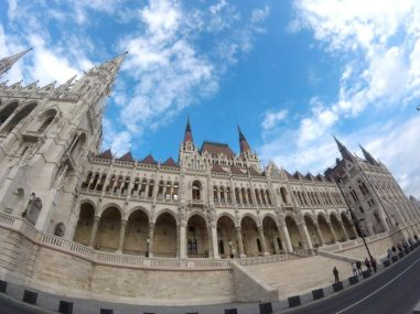 budapest parliament visit with tour guide