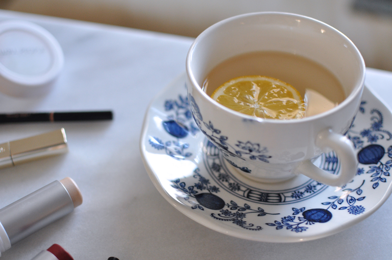 Morning-Cup-of-Lemon-Water-Alkalizing-Routine