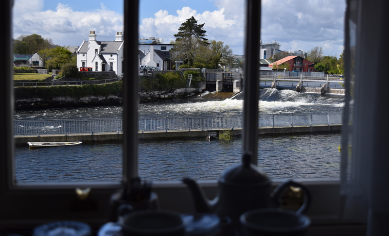 Galway-Ireland-Corrib-Tea-House-Bed-and-Breakfast-overlooking-Salmon-Weir-on-River-Corrib