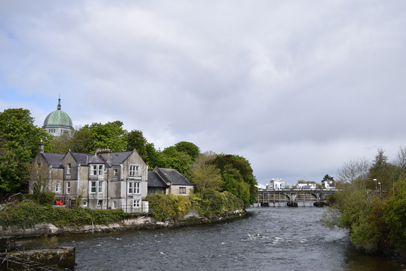 The-River-Corrib-Walk-in-Galway-City-Ireland
