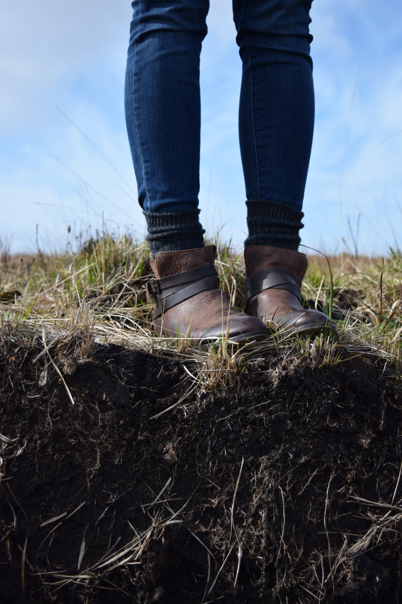 12-Laphroaig-Distillery-Peat-Field-in-Islay-Scotland---Hudson-Horrigan-Wrap-Strap-Booties-and-Paige-Verdugo-Jeggings