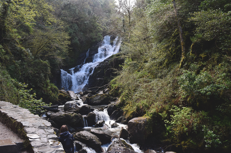 Cycling-by-Torc-Waterfall-in-Killarney-Ireland-Mor-Active-Day-Tour-Bicycles