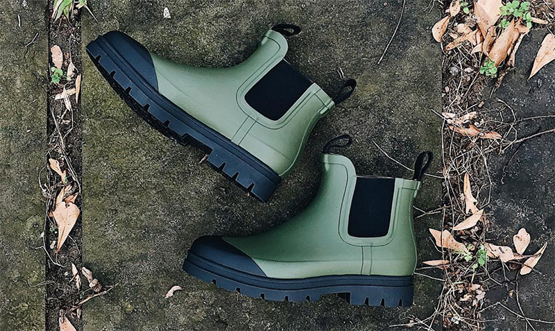 Everlane Rain Boot in Surplus Olive Green