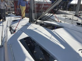 Jeanneau Sun Odyssey 44DS Deck House