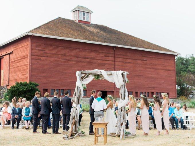 Dani-Cowan-Photography-Destination-Wedding-Photographer-Whidbey-Island-Crockett-Farms-220