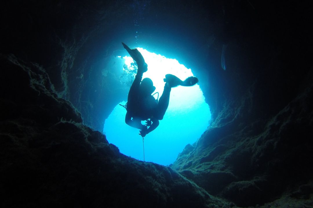 Extreme Adventures - Cave Diving at Dragon's Breath Cave - whileinafrica