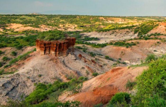 olduvai-gorge-tanzania-whileinafrica
