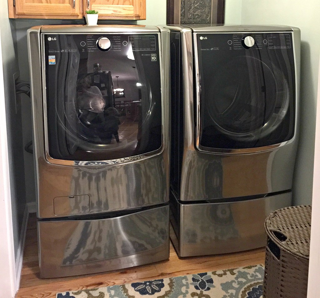 The LG Twin Wash and Sidekick Pedestal includes two washing machines. The LG pedestal underneath the washing machine is actually a second washing machine. This honest review shares what I love about the machine as well as who I'd recommend it to and why.