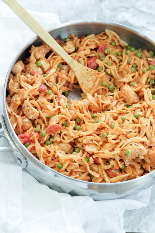 Easy, cheesy stovetop chicken and no yolks noodles - This chicken recipe tastes like comfort food without hardly any of the heavy stuff. Packed with flavor, this dish is sure to please the palates all around your table!