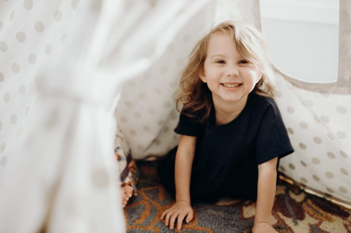 Photoshoot at home: Four years old in playroom