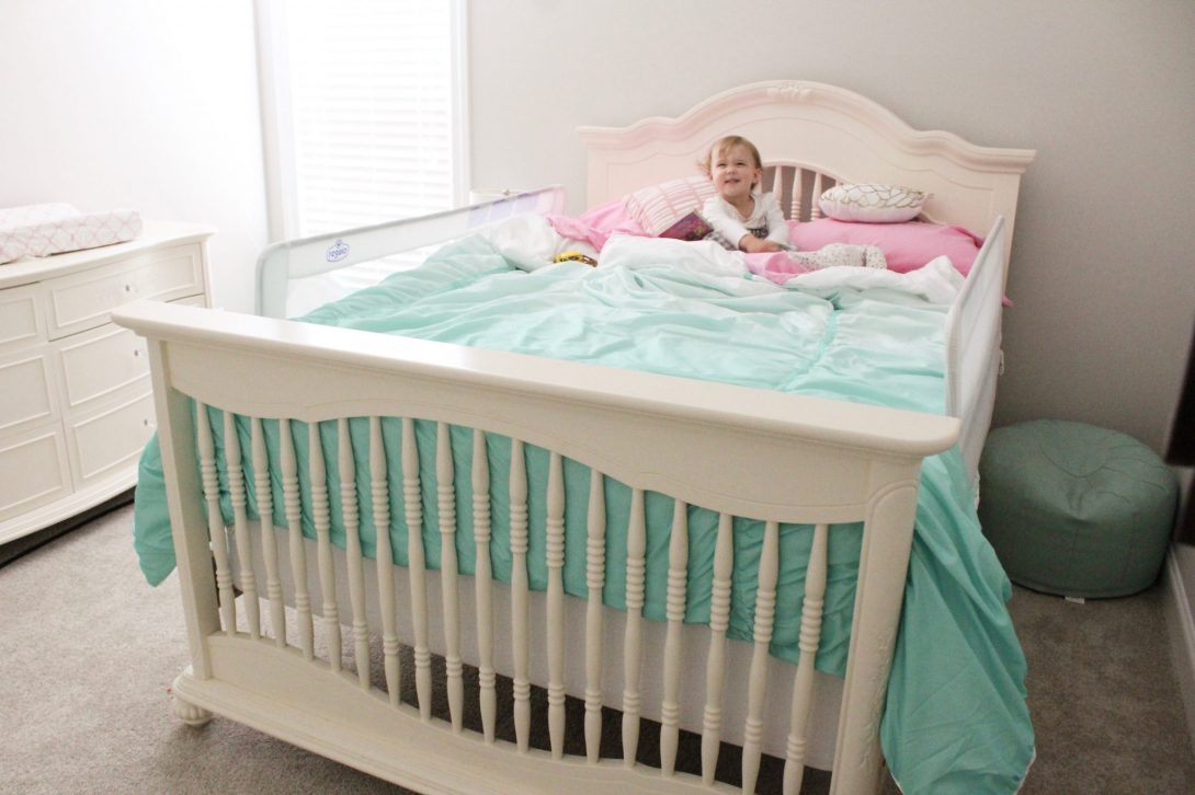 """Sadie's New """"Big Girl"""" Bed + the Rocky Transition Period"""