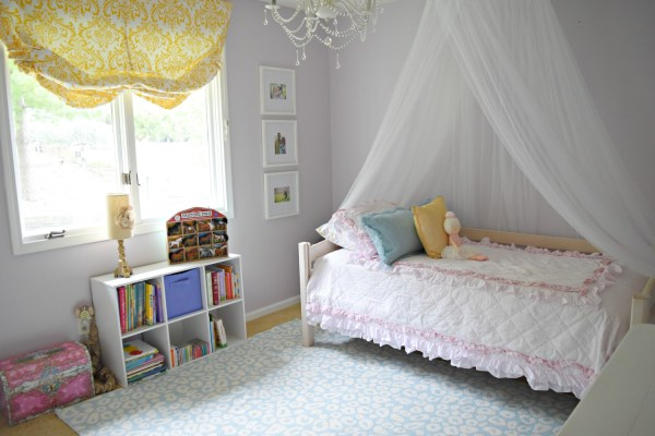 Big girl bedroom makeover: Classy, modern unicorn bedroom. Click here for full list of sources!