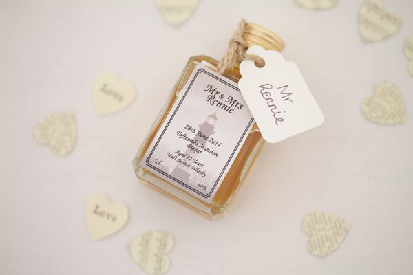 Pretty Pastel Romantic DIY Wedding Favours http://www.milkbottlephotography.co.uk/