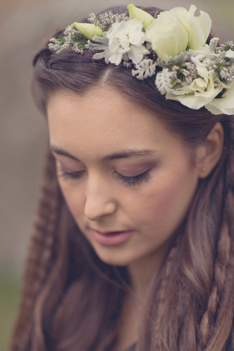 White Flower Crown Headband Bride Bridal Beautiful British Flower Peak District Moors Wedding Ideas http://www.sarahbrabbin.co.uk/