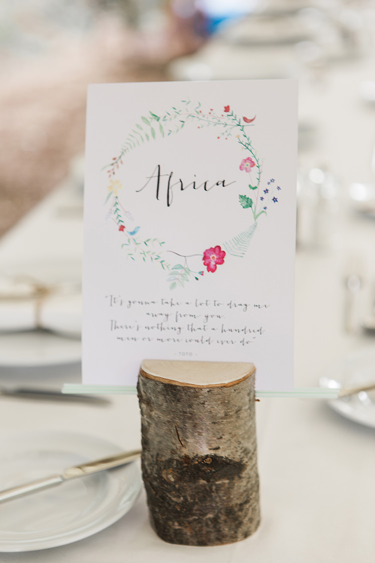 Log Continent Table Name Indie Hand Made Outdoor Woodland Wedding http://www.ilariapetrucci.co.uk/