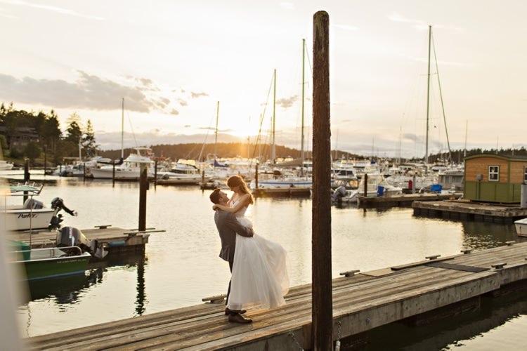 Bride Groom Marina Sunset Roche Harbor Resort Elegant Classic Outdoor Wedding Washington http://www.courtneybowlden.com/