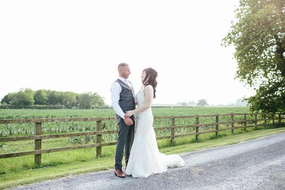 Soft Springtime Countryside Wedding http://www.claudiarosecarter.co.uk/