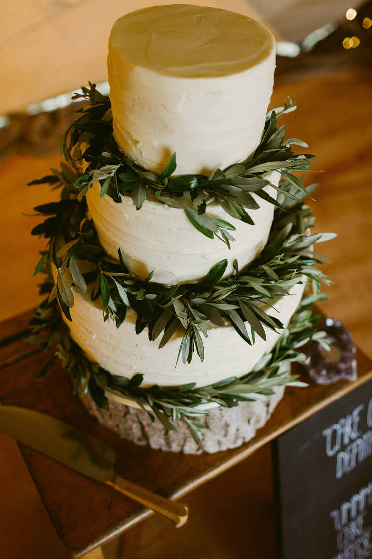 Buttercream Foliage Cake Log Stand Bohemian Outdoor Blessing Garden Wedding http://www.lukehayden.co.uk/