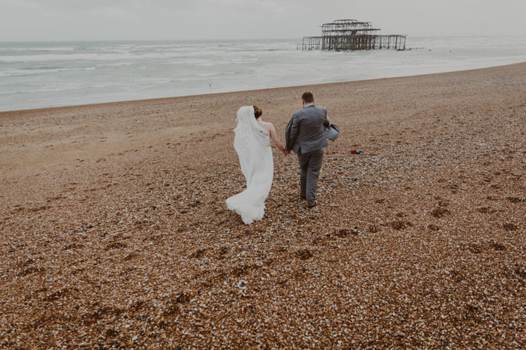 Romantic Stylish Relaxed Sea Wedding http://www.oxiphotography.co.uk/