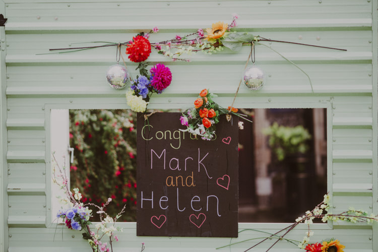 Chalk Black Board Sign Flowers Romantic Stylish Relaxed Sea Wedding http://www.oxiphotography.co.uk/